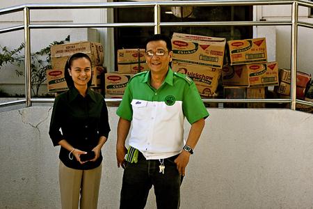 ABS-CBN's Che Verendia and FRAG President Bobby Ludeña